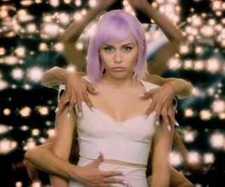 Netflix unveils Black Mirror Season 5 trailer with robots, guns and Miley Cyrus