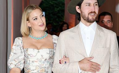 Kate Hudson just shared her first photo of her entire family of five - and it's absolutely adorable