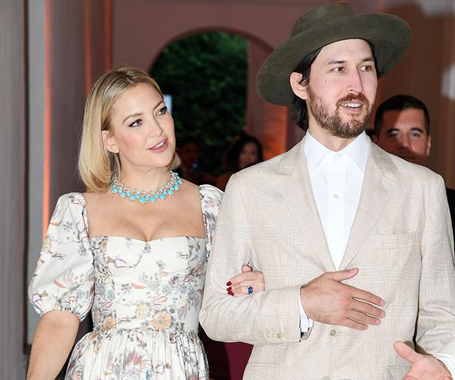 Kate Hudson just shared her first photo of her entire family of five