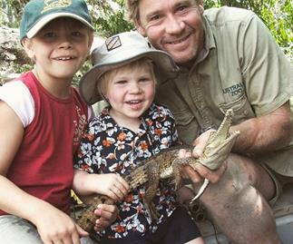Robert Irwin honours his dad Steve Irwin by recreating his iconic crocodile feeding photo