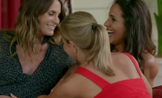 Kristen Czyszek went in for the pregnancy grope with the Bachelor All Stars and just NO!
