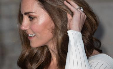Duchess Catherine managed to sneak into a pub night with school parents... and almost went unnoticed!