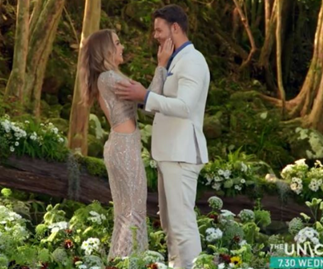 "Carlin Sterritt wins The Bachelorette Australia 2019: ""I'm completely falling in love with you"""