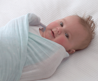 Swaddle or sleeping bag for baby?