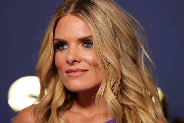Erin Molan stuns on the red carpet just a month after being hospitalised with a broken arm