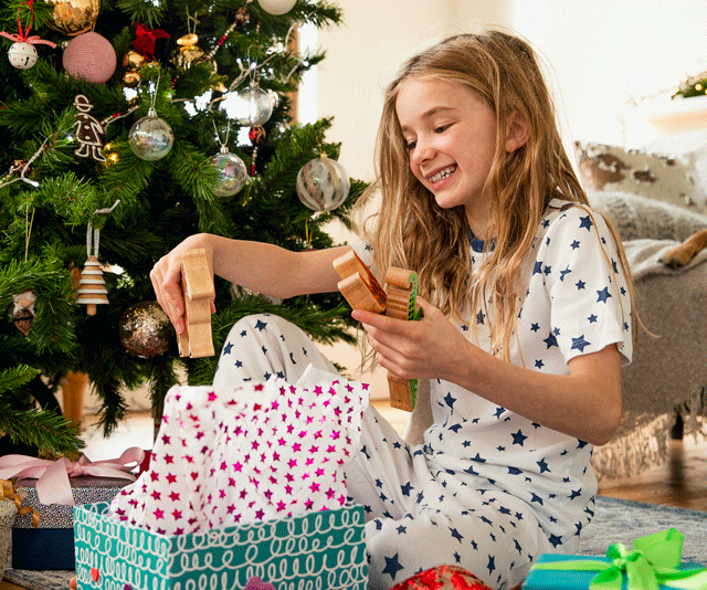 The 'four gift' Christmas rule that's gone viral