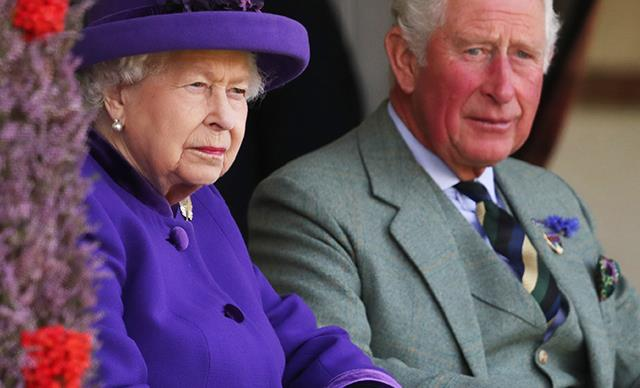 The subtle sign that suggests the Queen is about to step down from the throne
