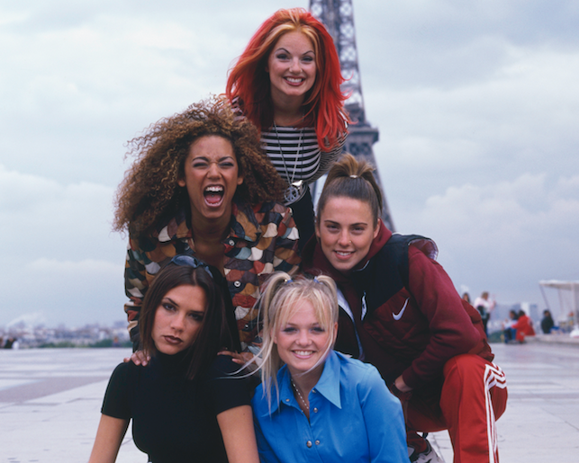 Victoria Beckham just dropped a Spice Girls reunion pic that's sent the internet into meltdown
