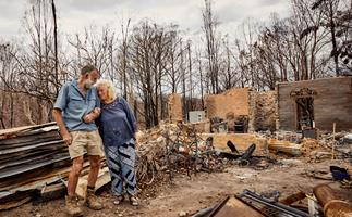How residents in this bushfire-ravaged town have banded together to rebuild