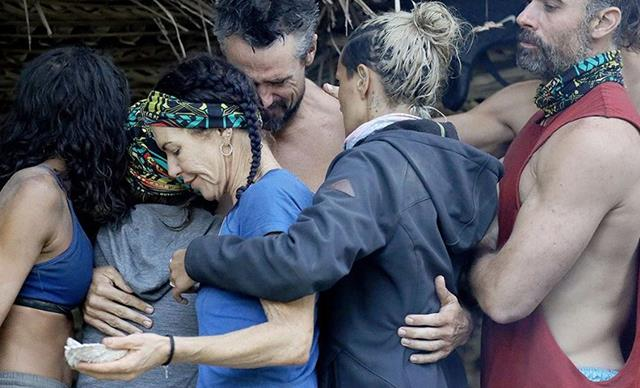 Tributes flood in from Survivor All Stars contestants for Lee Carseldine and his mum