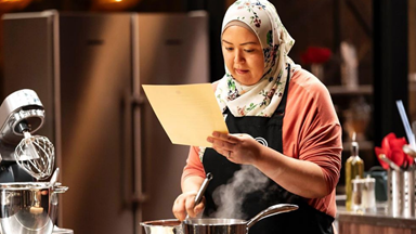 "EXCLUSIVE: MasterChef's Amina spills on which contestant she found ""intimidating"" and the elimination leak that sent fans into a frenzy"