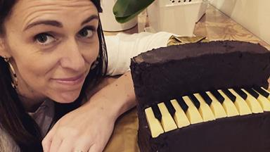 Here's how you can make the Jacinda Ardern-approved Australian Women's Weekly piano cake