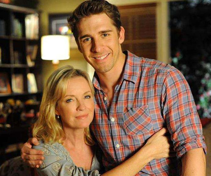 Rebecca Gibney shares never-before-seen photos from the Packed To The Rafters set as she pays tribute to Hugh Sheridan