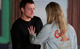 Home And Away love triangle! Things are heating up between Ziggy and Tane but will Dean win her back before sparks fly?
