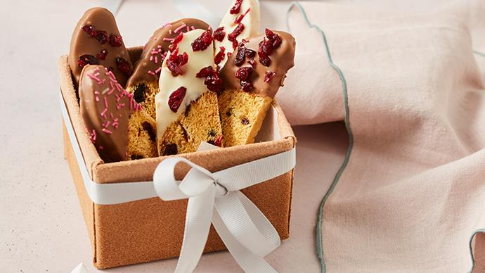 Christmas recipe: Biscotti with chocolate and cranberries