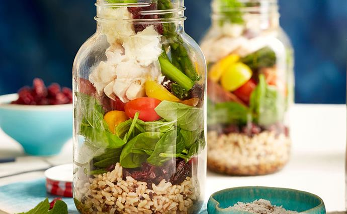 Recipe: salad jar with chicken and cranberries
