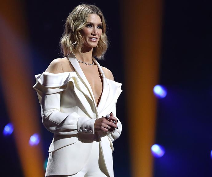 """""""So empowering!"""" Delta Goodrem stuns fans with her stirring performance at the 2020 ARIA Awards"""