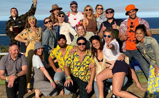 "Say ""Summer Bay!"" We round up the sweetest behind-the-scenes photos from the Home And Away cast in 2020"