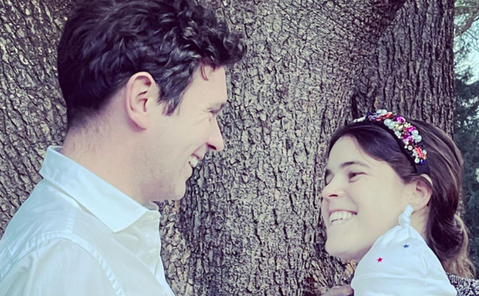 Princess Eugenie has gifted us two precious new photos with son August as she celebrates her birthday