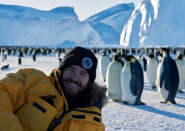 REAL LIFE: Meet the Aussie plumber who moved to Antarctica and now casually hangs out with penguins