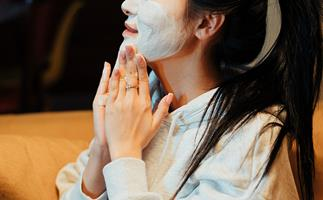 Is your skin super dry in winter? These are the three huge mistakes you're probably making