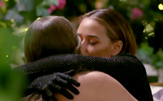 """""""I was conflicted"""": Brooke Blurton shares a romantic kiss on the very first episode of The Bachelorette 2021"""