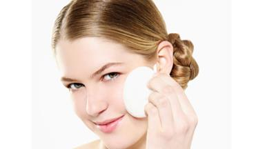 Cleaning your make-up sponge