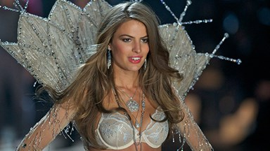 Victoria's Secret models aren't as confident as you think