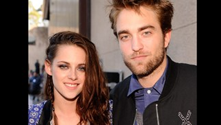 Kristen Stewart apologies over affair with married director