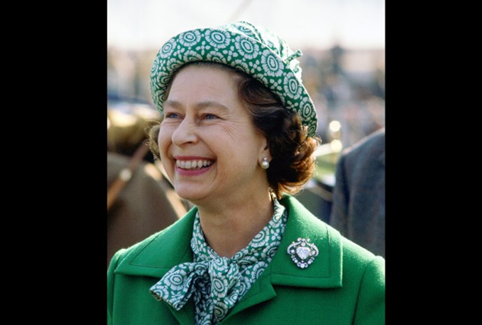 It's hard to miss the Queen in this green patterned number!