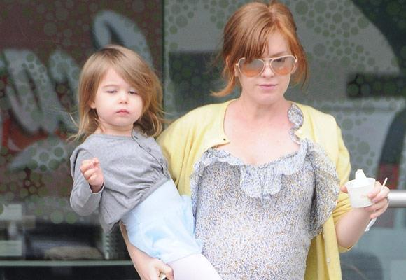 """Although she is young, it's clear little Olive will grow up to look just like her mum Isla Fisher.   Related links:  [Chips off the old block](http://celebrities.ninemsn.com.au/slideshow_ajax.aspx?sectionid=8847&sectionname=slideshowajax&subsectionid=156147&subsectionname=chipsofftheoldblock