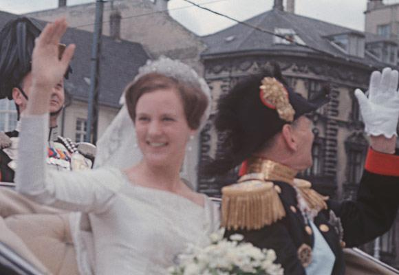 Queen Margrethe's wedding tiara was a gift from the Khedive of Egypt, which the bride's mother, Queen Ingrid, had inherited.
