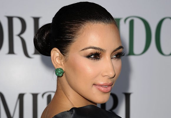 Show off your facial features, with this sleek and sexy look like Kim Kardashian.