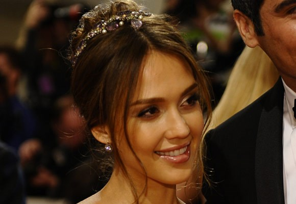 Bejewelled hair accessories are the perfect way to add a bit of glamour to any up do. Jessica Alba's soft style is the perfect example.