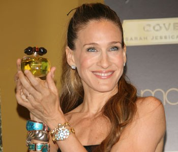 After the resounding success of her first scent, Lovely, SJP's new fragrance, Covet, is proving to be the sweet smell of success. Her ad campaign features SJP in a Christian Lacroix haute-couture dress behind bars in a Paris prison cell. She couldn't resist the temptation to snatch a bottle of Covet from a window display by smashing it with her stiletto!  [Buy Covet by Sarah Jessica Parker now on ninemsn Shopping](http://shopping.ninemsn.com.au/results/shp/?text=Covet,scId=1,bCatId=39)