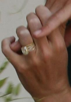 *Ugly Betty* star **Rebecca Romijn**'s wedding bling — now that's a rock!