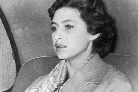 Rewinding back to 1955, Princess Margaret is forced by the royal family to renounce marriage plans to Battle of Britain war hero, Peter Townsend, because he is a divorcee.