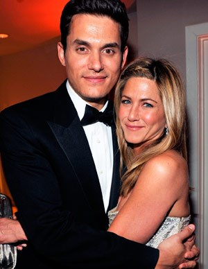 In February 2008, Jen began dating US singer John Mayer. The couple had broken up in August, but resumed the relationship in October, before splitting again in March 2009.