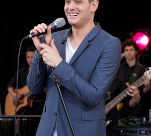 "Michael Buble accused of ""body shaming"" women in controversial picture."