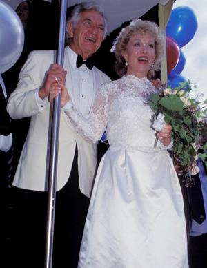 Bob married Blanche D'Alpuget in 1995 at a ceremony in Sydney.