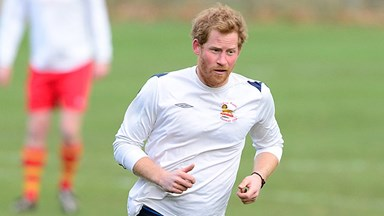 Queen orders Prince Harry to shave