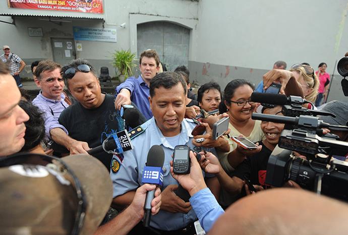 Kerobokan Prison boss Farid Junaedi adresses the media abhout Schapelle's parole.