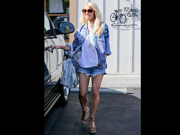 Jessica Simpson thanks Weight Watchers and an arduous training regime.