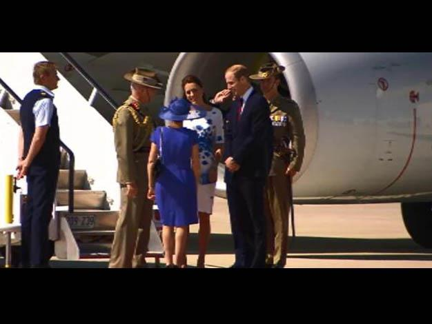 The Duke and Duchess meet Defence Force chief David Hurley. Photo: ?@9NewsAUS via Twitter