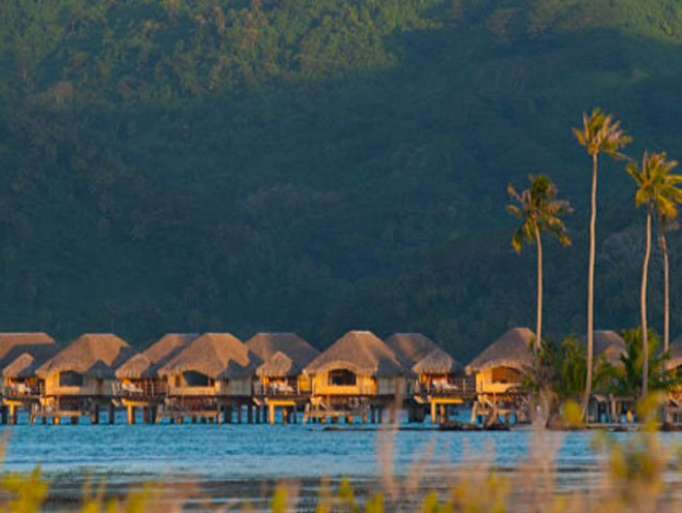 The loved-up couple stayed at the world-class Le Taha'a Island Resort & Spa for seven nights.