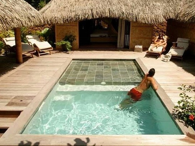 The stunning plunge pool.