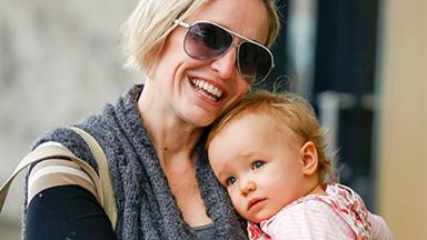 Cuteness overload: Fifi Box and Trixie share in some mother-daughter time