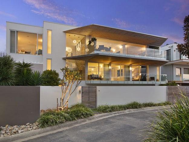 The lavish property is set amongst dune beaches and coastal bush trails