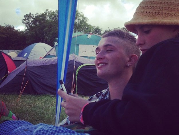Canoodling together at the campsite at Glastonbury.
