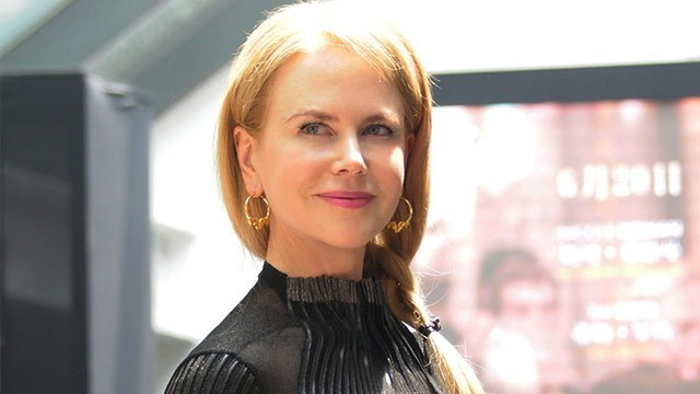 Nicole Kidman reportedly pours cranberry juice over her tresses to enhance the red colour and add shine.
